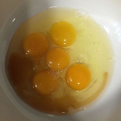 韭菜鸡蛋饼的做法 步骤2