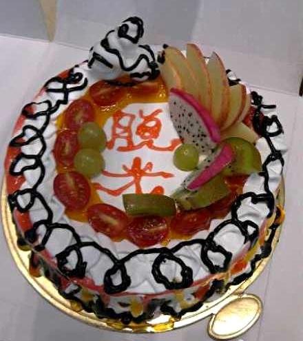 主料 蛋糕 辅料  水果 光棍脱光蛋糕的做法步骤        本