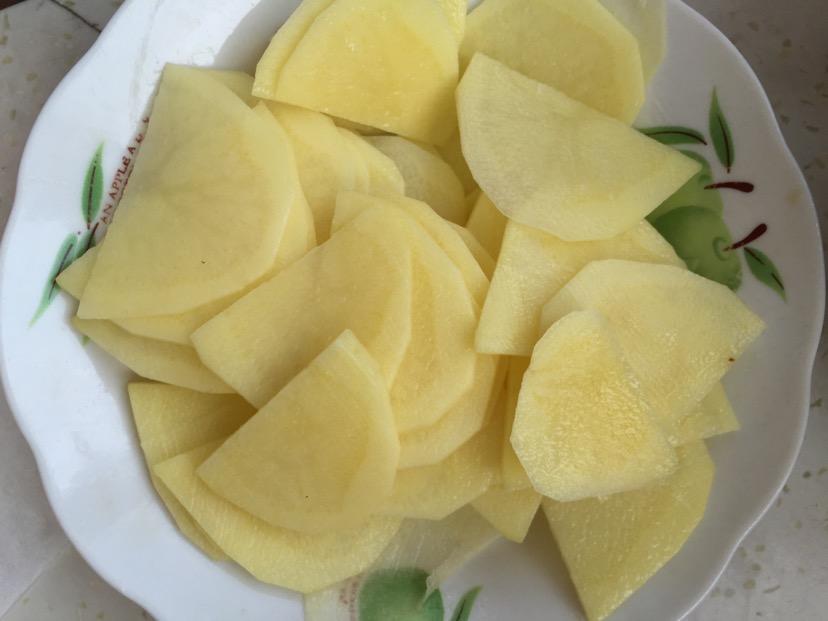 回鍋肉熘土豆片的做法_【圖解】回鍋肉熘土豆片怎么做