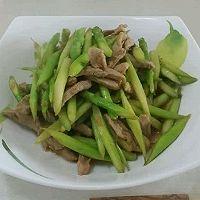 芦笋炒肉的做法图解2