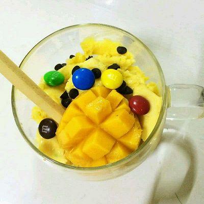 浓醇芒果酱冰激凌