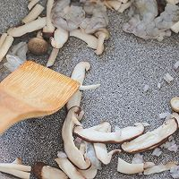 菌菇鲜虾疙瘩汤的做法图解10