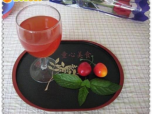 草莓酿红酒