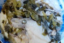 酸菜剥皮鱼的做法