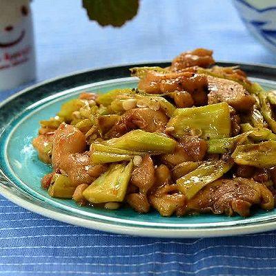 【黑椒秋葵炒鸡肉】夏季照样让你一再添饭的惹味小炒