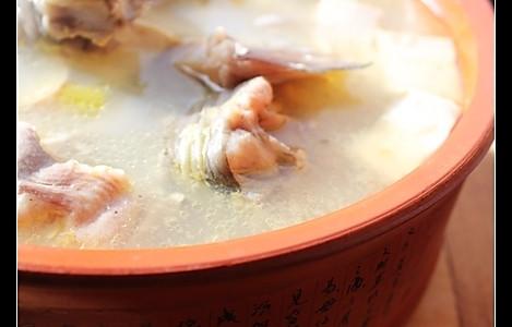 鲶鱼豆腐汤的做法