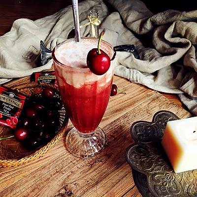 樱桃覆盆子酸奶奶盖