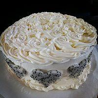 8寸戚风蛋糕。