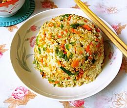胡萝卜青椒炒饭的做法