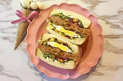 照烧鸡肉煎蛋三明治