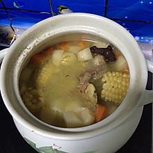 清炖棒子骨萝卜汤