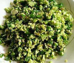 炎炎夏日的下饭菜——青椒豆沫的做法