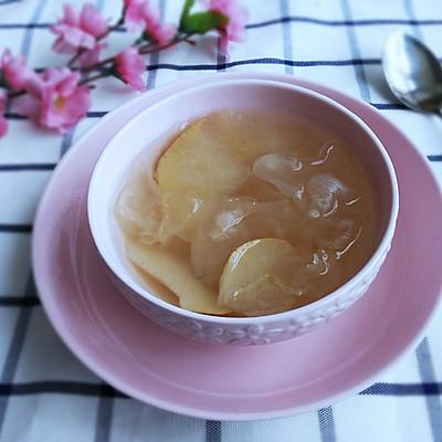 银耳雪梨甜汤