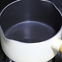 只有热着才好吃的蒸金沙奶黄月饼的做法图解2