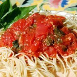 新鲜番茄拌意大利面条