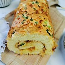 #换着花样吃早餐#香葱肉松肥蛋糕卷