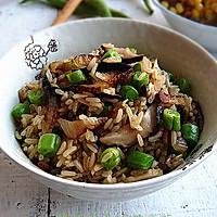 腊肉香菇炒糙米饭#美的初心电饭煲#的做法图解11