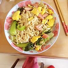 香肠油菜炒面
