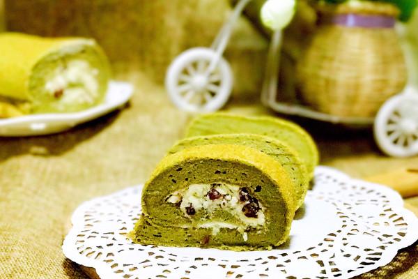 Fluff棉花糖抹茶蔓越莓蛋糕卷#有颜值的实力派#的做法