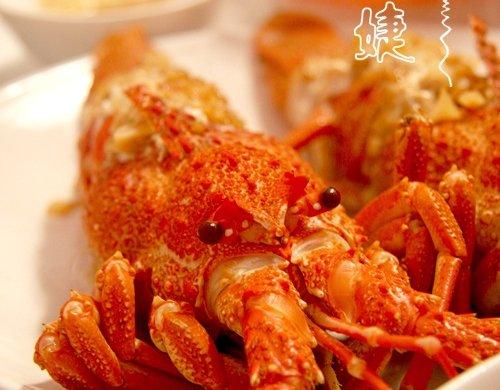 用帅气的-龙虾清理方法做美味的-蒜茸开背蒸龙虾