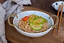番茄西葫芦炒面的做法