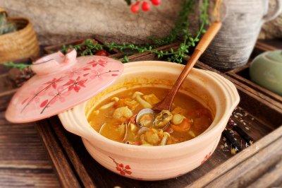 一锅暖暖的咖喱海鲜汤