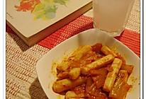 辣白菜炒年糕的做法