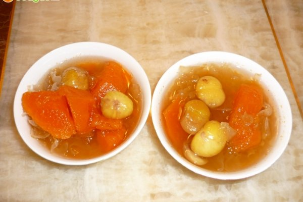 雪耳木瓜炖冰糖的做法