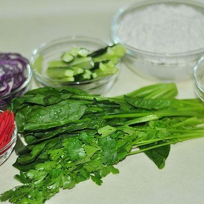 鲜虾仁菠菜卷的做法_【图解】鲜虾仁菠菜卷怎么做好吃