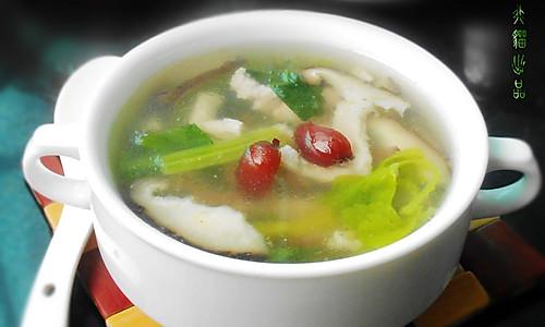 芹菜红枣瘦肉汤的做法