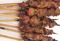 炭烤羊肉串的做法