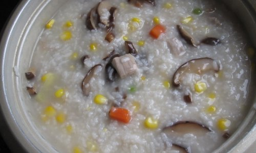 香菇玉米排骨粥的做法