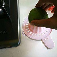 自制苏打水-青柠养乐多苏打水的做法图解3