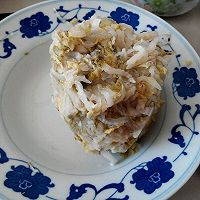 酸菜猪肉炖粉条的做法图解1