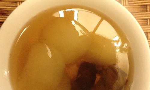 冰糖红枣炖雪梨Y(^_^)Y的做法