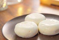 两种原料,打发牛奶!做出夏日空气奶冻,入口即化,云朵般的轻盈的做法