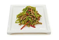 肉丝红椒炒芹菜的做法
