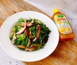 #太太乐鲜鸡汁玩转健康快手菜#香菇炒青菜苔的做法