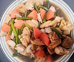 豆泡鸡丁胡萝卜的做法