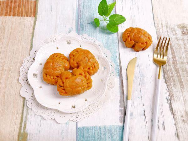 金沙奶黄蔓越莓月饼的做法