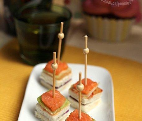 挪威三文鱼泡菜迷你三明治