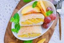 酸奶黄桃三明治#秋天怎么吃#的做法