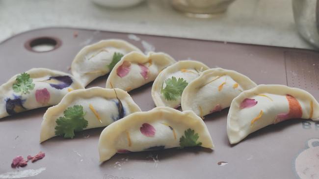 花朵植物饺子的做法
