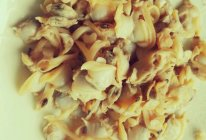 韭菜鸡蛋蛤蜊水饺的做法