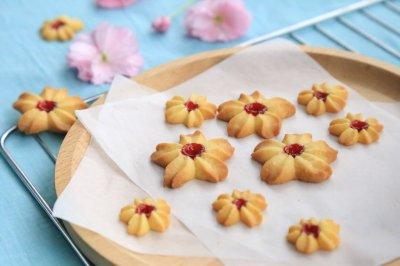 ·果酱曲奇饼干·#浪漫樱花季#