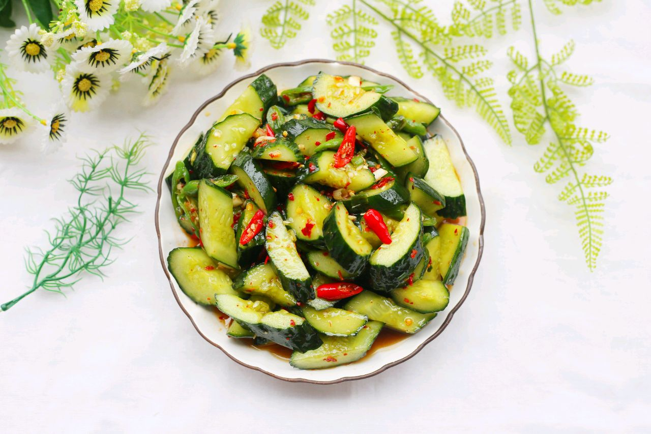 春季减肥,边吃边瘦#凉拌明星的燃烧黄瓜脂肪日本女星减肥图片