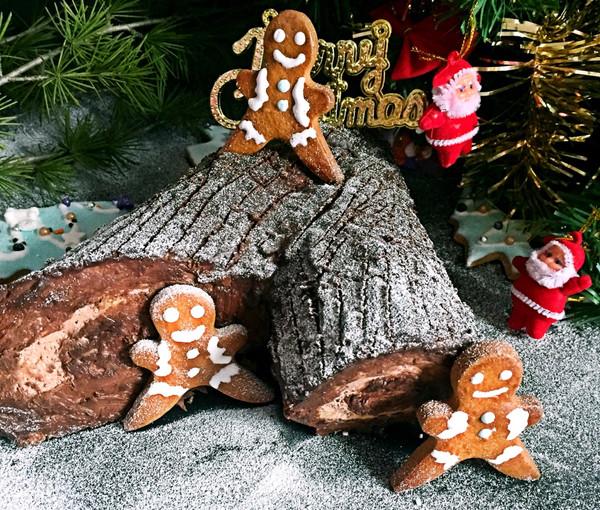 雪地里的树杈蛋糕