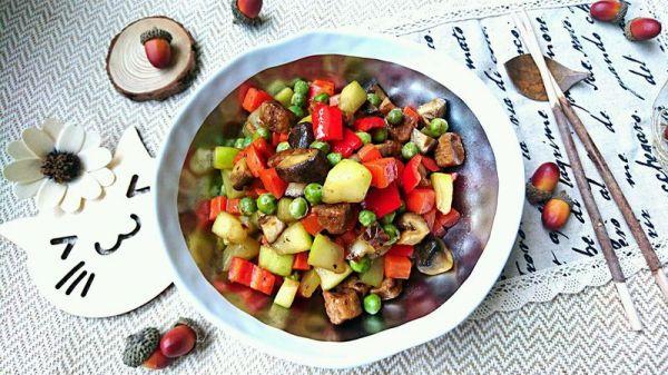 葫芦瓜炒素肉-蜜桃爱营养师私厨减肥健身糖尿病三高食谱的做法