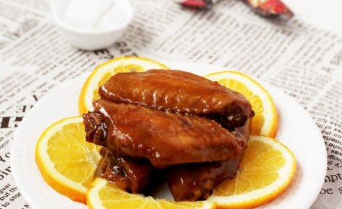 橙香煎鸡翅的做法