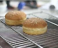 双层肉饼吉士汉堡的做法图解6